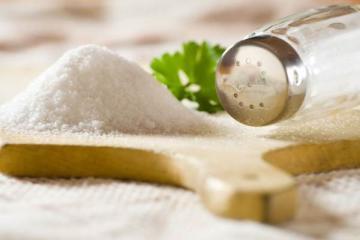 Чем заменить соль при приготовлении пищи?